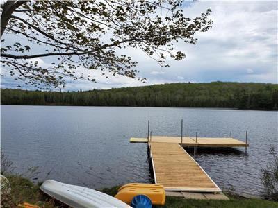 Newly Renovated Family Cottage - 2 Acres - 200 Feet Waterfront - Near Muskoka, Algonquin
