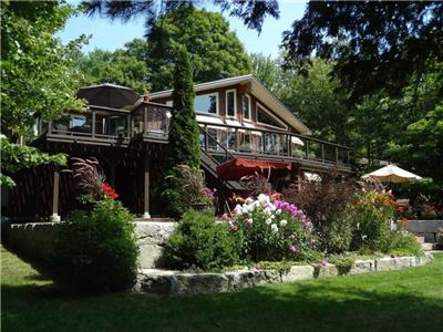 Chandos Lake 111' Waterfront Cottage 'Rare Find'