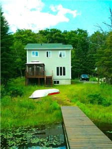 LAKE FRONT, 4 SEASON HOUSE, LAURENTIANS, FULL FURNITURE & APPLIANCES INCLUDED