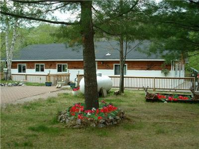 Waterfront cottage on beautiful lake Endikai. Great fishing, quading, snowmobiling and hiking.