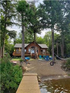 Our Haliburton Hideaway PRIVATE LAKEFRONT COTTAGE