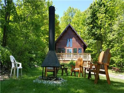 Calabogie Peaksview Ski Chalet Cottage rental Calabogie Peaks resort Max- 6 adults