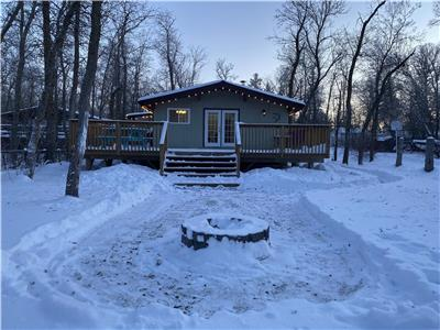 4 Season Vacation Rental - Minutes from Winnipeg Beach