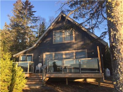 Papineau Lake Cottage ... Gorgeous!!! Open for rental all year!!!