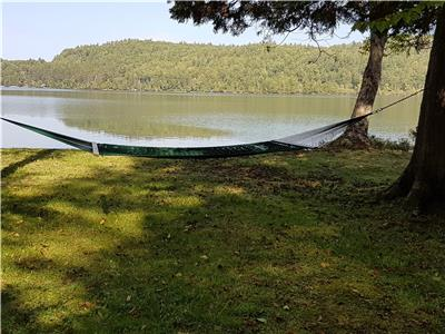 Charming lakefront cottage/great beach/lac Edja Ouest