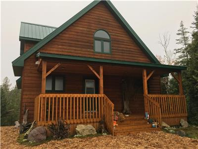 waterfront, fully winterized 3 bedroom custom built cedar cottage/house