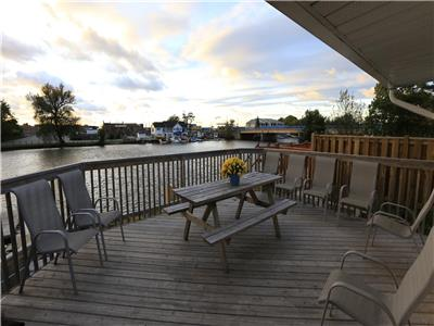 Beach1 - Riverfront Cottage #3 - Wasaga Beach