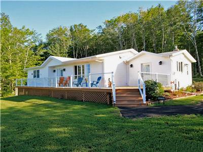Chickadee Woods - Water view, A/C, WIFI, Cavendish and North Rustico only 5 mins away
