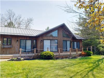 Port Franks Lake Huron Cottage  -June available &   One week in August  Left