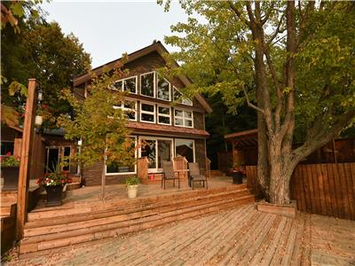 The LakeHouse Executive/Family Retreat -REDUCED- One Summer Week Left in August