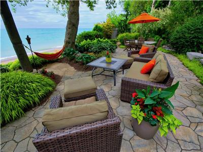 Beach Bliss Lakefront Cottage... Magic!