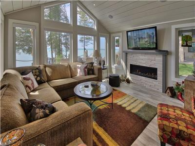 Driftwood Shores Cottage... Lakefront Perfection near Grand Bend! Brand New!