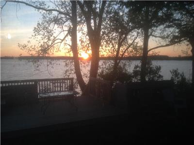 Cottager for Rent-Private Lake Access, Cherry Beach Resort, Cherry Valley. Prince Edward County