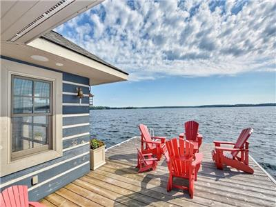 LA TIMONERIE - Your family will vacation in style in this ABSOLUTELY GORGEOUS cottage on Lake Joe !