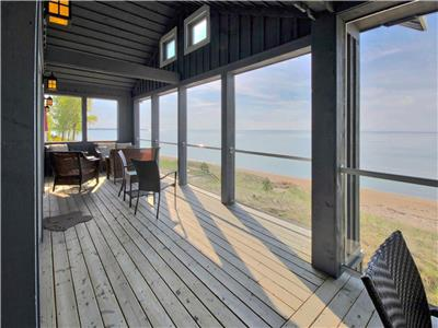 Singing Sands Ipperwash Cottage on the Beach near Grand Bend.... Simply amazing!