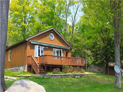 Koshlong Lake Waterfall Cottage