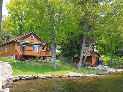 Koshlong Lake Waterfall Cottage -  Disponible toute l'année!