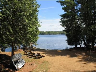 Spectacular *one week minimum* South Facing Privacy on Jack Lake with Large Sand Beach -Five Peaks-