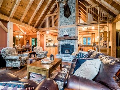 Post and Beam Cottage on Shores of Rebecca Lake