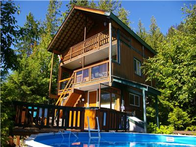 Hot Springs Cottage, Upper Arrow Lake, Nakusp British Columbia--Private Hot Springs Pool and Hot tub