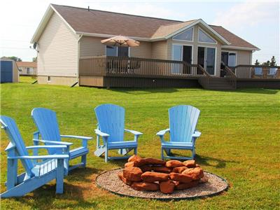 Bellevue - Waterfront, Fabulous View of Cavendish Dunes, close to Golf Courses and Community Pool