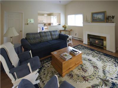 Bayfield Charmer: Bright and Spacious!
