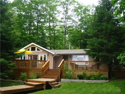 Lorimer Lake beautiful water front cottage and bunkie. Water access.. 2 mins to the dock