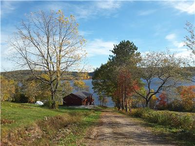 4 SEASON COTTAGE FOR  RENT ON THE BELLEISLE BAY-up to 8  people if booking two connected units