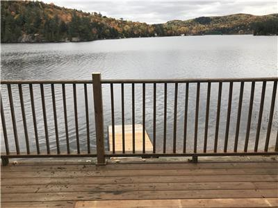 WELCOME TO L & A CHALET - LAC ST PIERRE IN VAL DES MONTS - 35 MINUTES FROM DOWNTOWN OTTAWA
