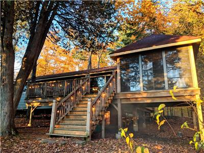Beautiful 3-BDR Western Facing Lakefront Cottage Is The Perfect Getaway