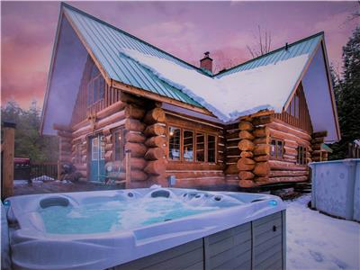 Muskoka*Log*Cottage*Hidden Valley*Private Forest*Retreat*Huntsville*Ski Resort*Hot Tub*