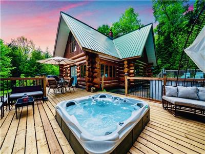 Muskoka:Log Cottage:Forest:Private:Hot-Tub:Arrowhead:ReTreat:Ski:Resort:Huntsville