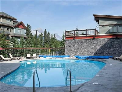 Premium 2BR Condo in Canmore, with Heated Pool