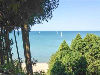 Lakeside Tranquility - Lakefront right in Bayfield