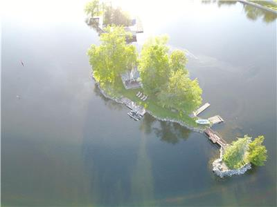 YOUR OWN ISLAND GETAWAY IN BOBCAYGEON