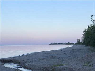 Cottage for Rent Moonlight Bay Gimli
