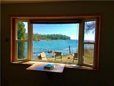 Waterfront Cottage in Tobermory with Sunsets, Swimming and Wi-Fi
