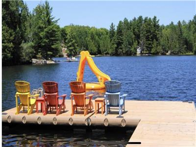 Jack Lake Oasis! Family friendly cottage with exceptional furnishings and all the comforts of home.