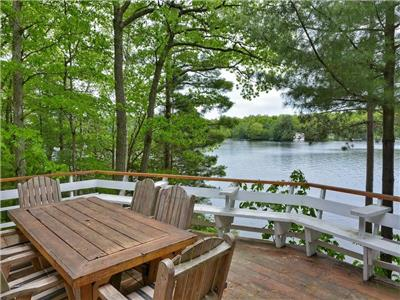 ENDLESS SUN - Wonderfully rustic cottage with private lakefront on Lake Muskoka!