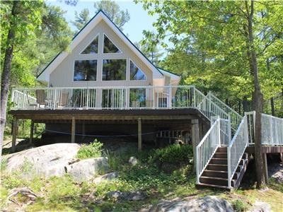1300 sq foot Water Access Cottage on Georgian Bay, Pointe Au Baril area.