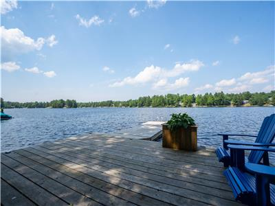 Peaceful Waterfront Muskoka Retreat with Sandy Wade in Shore - Jonesy's Cottage on Loon Lake