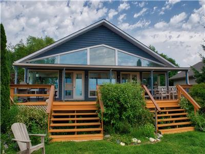 Hank's Lakefront Cottage: Lots of Space and Ready for your Lake Huron Vacation!