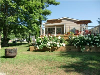 Muskoka Waterfront Cottage/trailer for sale by Owner