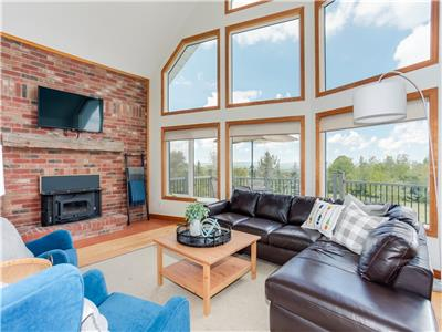 Stunning View - Ski - Sauna - Fire Pit - Games - 3000 Square feet!
