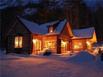 Luxury Log Home - Chalet Belisle
