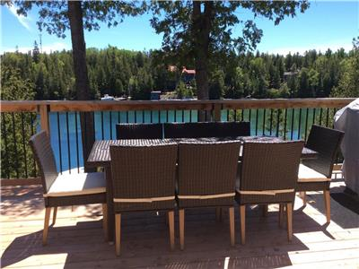 Shipwreck Deck Tobermory Waterfront Cottage Rental. Stay on Big Tub Harbour! Sleeps up to 10