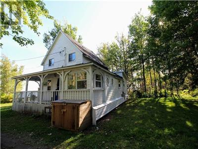 Year-round ocean front home on the Northumberland Straight, Port Elgin, New Brunswick