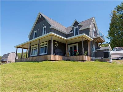 Executive Waterfront, 4 bed On Belleisle Bay, VERY SAFE NEW BRUNSWICK W/ 500 Ft of Beach!!