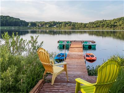 Whispering Woods Cottage - Private waterfront cottage on 4 acres in Haliburton--2.5 hrs from Toronto