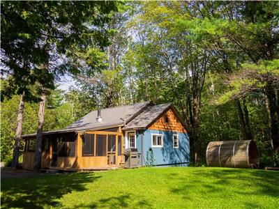 Muskoka Cottage with Cedar Sauna and A-Frame Bunkie - only 1:5 hrs from Toronto!